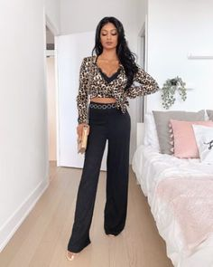 30 Decent Yet Chic Winter Outfits for Work AND School - Chic Winter Outfits, Winter Outfits For Work, Cute Christmas Decorations, Christmas Crafts, Smart Casual Work, Dressy Sweaters, Acupressure Points, Applying Eyeshadow, Reflexology