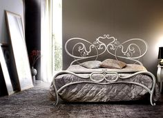 Picture of Ritmo, wrought iron bed with curls