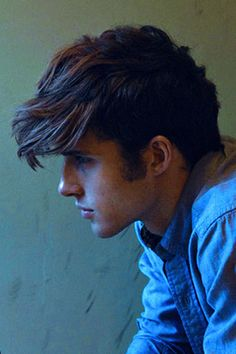 i want this style, my hair doesn't really go into the way I want it to,