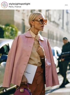 Pink Fashion, Fashion Art, Fashion Design, Looks Street Style, Love Clothing, Lookbook, Fashion Blogger Style, Holiday Fashion, Passion For Fashion