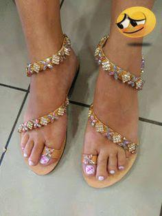 ΧΕΙΡΟΠΟΙΗΤΑ ΠΑΠΟΥΤΣΙΑ: Σανδαλια!!!!!!! Crochet Slippers, Flip Flops, Shoes, Women, Fashion, Zapatos, Moda, Shoes Outlet, Women's