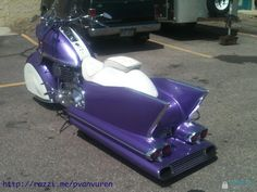 Custom Cruiser Motorcycle and it's PURPLE toooooooo.......BONUS