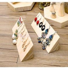 15 great DIY jewelry holder ideas to . - 15 great DIY jewelry holder ideas to. 15 great DIY jewelry holder ideas to . - 15 great DIY jewelry holder ideas to try out – women's jewelry and accessories – 15 great - Jewelry Hooks, Cheap Jewelry, Jewellery Storage, Jewellery Display, Jewelry Organization, Accessories Display, Gold Jewellery, Jewelry Case, Dainty Jewelry