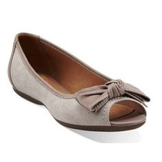 ALDEA JOY loafer in natural canvasFun and Playful Shoes by Clarks Of EnglandLeather Upper