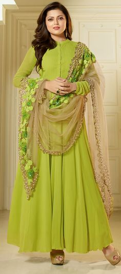 Drashti Dhami georgette green floor length plain Anarkali suit and heavy dupatta with resham sequence and pearl work Indian Gowns, Indian Attire, Pakistani Dresses, Indian Wear, Indian Outfits, Heavy Dupatta, Casual Dresses, Fashion Dresses, Churidar Designs