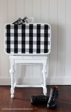 Vintage suitcase made over with buffalo check charm from Vintage Suitcase Decor, Painted Suitcase, Diy Home Decor For Apartments, Diy Home Decor Bedroom, Furniture Makeover, Diy Furniture, Plywood Furniture, Modern Furniture, Trunk Makeover