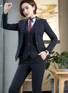 What do you think about a man wearing women's clothes? Prom Outfits, Edgy Outfits, Classy Outfits, Office Outfits, Suit Fashion, Work Fashion, Fashion Outfits, Fashion Design, Androgynous Fashion