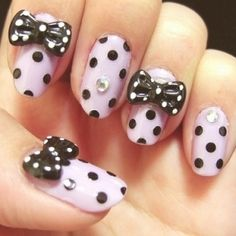 Bow & Pois for a vintage nail art!