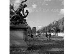 Football au jardin des Tuileries