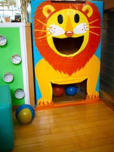 Gooi ballen en de bek van de leeuw