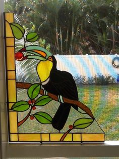 Tucan stained glass corner [L] Stained Glass Frames, Antique Stained Glass Windows, Stained Glass Light, Stained Glass Birds, Stained Glass Designs, Stained Glass Projects, Stained Glass Patterns, Leaded Glass, Mosaic Glass