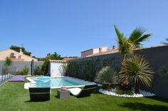 Voici un projet d'aménagement d'un jardin avec piscine dans unemaison contemporaine situé dans la garrigue. Il s'agit là de réaliser un décor végétal simple, épuré, moderne, facile d'entretien et à f [...]