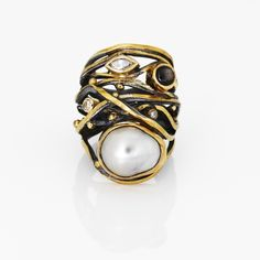 Twisted ring from goldsmith Josephine Bergsøe - just to die for...