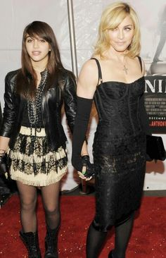 "Madonna (Dec 2009) ""Nine"" premier"