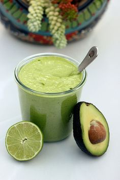 Creamy Avocado Dressing - Gluten-free + Dairy-free w/ Vegan Option. Another vegan thing oh well. Avocado Recipes, Raw Food Recipes, Vegetarian Recipes, Cooking Recipes, Healthy Recipes, Sin Gluten, Creamy Avocado Dressing, Avocado Salad, Ripe Avocado