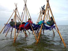 Moso Bamboo Poles - All About Bamboo Poles, Bamboo Art, Bamboo Crafts, Bamboo Ideas, Bamboo Roof, Bamboo Furniture, Cheap Furniture, Furniture Market, Street Furniture