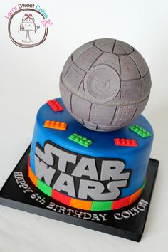 Legos and Star Wars all in one cake! Stellar!