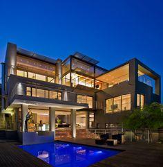 House Tat by Nico van der Meulen Architects
