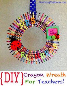 Super easy DIY crayon wreath for teachers or to hang on your door for when school starts!!