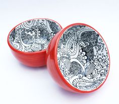 Bowl Set. Apparently, I'm not the first to think of doing zentangles on a bowl...
