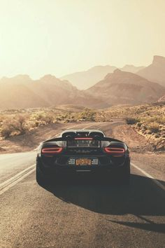 The Porsche 911 is a truly a race car you can drive on the street. It's distinctive Porsche styling is backed up by incredible race car performance. Porsche 918 Spyder, Porsche Panamera, Porsche Cars, Car Iphone Wallpaper, Car Wallpapers, Iphone 6, Wallpaper Carros, Supercars, Porsche Cayenne