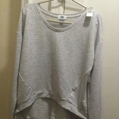 Old navy super soft grey high low top🎀 small Old navy grey high low top, super soft 😊🎀small NWT will fit a medium Old Navy Tops Crop Tops