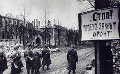 Powstańców Śląskich w stonę Rynku za skrzyżowaniem z aleją Wiśniową 1945 r.