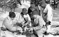 [Photo] Finnish troops having hot tea in the field, Finland, Troops, Soldiers, World War Two, Ww2, Fields, Military, Couple Photos, Coffee Break, Armies