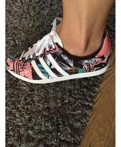 reputable site 0821d 5ed60 Adidas Gazelle OG Multi Floral Print Trainer