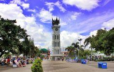 Tempat Wisata di Sumatera Barat yang Wajib Dikunjungi - Sumatera Barat, Wisata Danau Singkarak, Wisata Jam Gadang http://www.ngetripyuk.net/tempat-wisata-di-sumatera-barat/