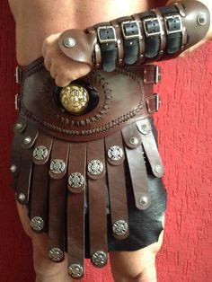 roman armor - Bruine lederen gladiator rok met bijpassende armband. www.thegladiator.nl    facebookpagina:  =thegladiator=