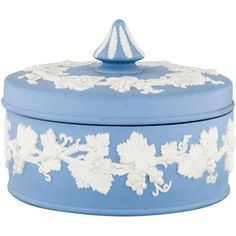 Pre-owned Wedgwood Decorative Box ($75) ❤ liked on Polyvore featuring home, home decor, small item storage, blue, wedgwood, blue box and blue home decor