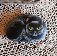 Art 'Black Cat Painting on River Rock' - by Lisa M. Nelson from Pebble Painting, Pebble Art, Stone Painting, Pebble Mosaic, Painted River Rocks, Hand Painted Rocks, Painted Stones, Black Cat Painting, Rock Painting Designs