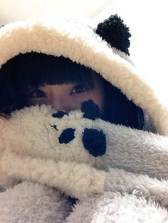相沢梨紗 Aizawa Risa - Dempagumi.inc / でんぱ組.inc - eyes peeking through panda hoodie