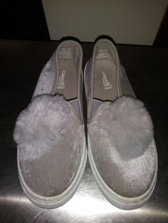 5cc4640d3972 Old Navy Slip On Shoes Girls Youth Size 2  fashion  clothing  shoes