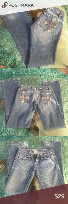 Miss Me jeans Used condition MISS ME jeans size 26 inseam 32 Miss Me Jeans Boot Cut