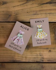 Such a cute way to ask your girls to be your bridesmaid. Complete with simple step by step video tutorial and you can print your own from home.   Personalise printable PDF at www.hiphiphooray.com and have fun creating these homemade DIY Will-you-be-my-bridesmaid cards. Can also be used for maid of honour / honor.   Digital template to customise online. Whole project takes around 20 minutes to make.   Love this crafty wedding planning idea to wow your bridesmaids...