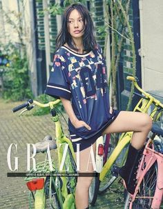 Lee Hyori wears casual brand 'Coming Step' for a retro shoot with 'Grazia' in Amsterdam | http://www.allkpop.com/article/2014/05/lee-hyori-wears-casual-brand-coming-step-for-a-retro-shoot-with-grazia-in-amsterdam