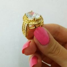 Van hogy egy kis bizsu is fel tudja dobni a napod!   . . . . Repost innen :  @ekszer_eshop www.ekszer-eshop.hu  #dragako #ekszer #meglepetes #nekemiskell #meglepi #parfüm #arcápolás #natúrkozmetikum #natúrkozmetika #instahun #mik #instahungary Shinee, Rings, Floral, Flowers, Jewelry, Instagram, Jewellery Making, Jewerly, Jewelery
