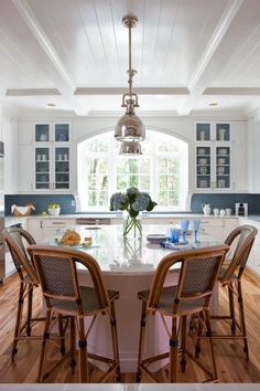 It seems everything comes full circle in design, and another place we're seeing it happening is in the heart of the kitchen. Decades ago, the eat in kitchen with the dining table set in the middle of the space was commonplace, but over time and with our desire for more storage, it was replaced in …