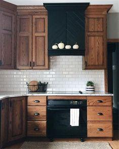 38 modern farmhouse classic kitchen decor ideas – Update Your Kitchen Cabinets Farmhouse Kitchen Cabinets, Modern Farmhouse Kitchens, Black Kitchens, Farmhouse Interior, Kitchen Interior, Cool Kitchens, Wood Cabinets, Kitchen Wood, Kitchen Countertops