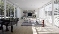 בין הפנים לחוץ / אדריכלות: מורן פלמוני, אדריכלית: גליה שטרנברג - אורלי רובינזון, האתר הישראלי לעיצוב