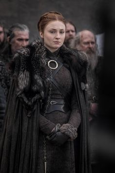 "Does the Jewelry in ""Game of Thrones"" Offer Any Clues to the Season 8 Finale? - Game of Thrones: Does the Jewelry Offer Any Clues to the Season 8 Finale? Game Of Thrones Dress, Game Of Thrones Sansa, Game Of Thrones Jewelry, Game Of Thrones Facts, Game Of Thrones Funny, Game Of Thrones Clothing, Game Of Thrones Outfits, Cersei Lannister, Daenerys Targaryen"