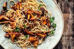 Recipe for Chantarelle and sun dried tomato spagetthi in english at the bottom of the page.