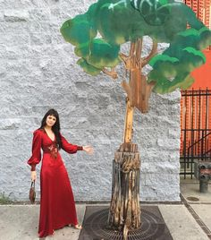 "5,912 Gostos, 71 Comentários - Sophia Amoruso (@sophiaamoruso) no Instagram: ""Just a villager @djunabel (showed up one month early to @sarahgodshaw wedding and made lemonade)…"""
