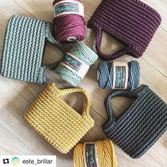 "Trap-art en Instagram: ""Que en Japón disfruten de cuerda de macramé trap-art de 4,5 mm nos gusta muuuuucho 😍😍😍 #macramemoderno #macrame #handmade #diy"" Crochet Sole, Free Crochet Bag, Crochet Pouch, Chunky Crochet, Love Crochet, Diy Crochet, Mochila Crochet, Crochet Shoulder Bags, Tote Bags Handmade"