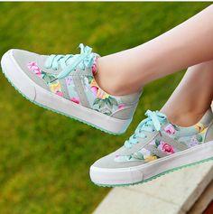 Cómodas zapatillas para este verano http://www.entrebellas.com