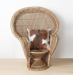 Buy peacock chairs online including white peacock chairs, upholstered chairs, arm chairs, rattan chairs & accent chairs. Classic, vintage chairs