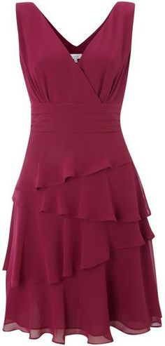 Love this: Sleeveless Vneck Layerered Dress Lyst Discover the most beautiful dress patterns on this Pretty Dresses, Beautiful Dresses, Dress Skirt, Dress Up, Dress Outfits, Fashion Dresses, Evening Dresses, Summer Dresses, Classy Dress