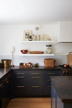 Home Decor Kitchen, Interior Design Kitchen, Kitchen Furniture, New Kitchen, Kitchen Ideas, Awesome Kitchen, Kitchen Modern, Kitchen Layout, Kitchen Wood